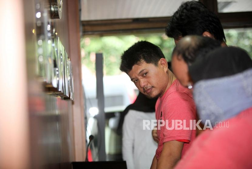A number of suspects were shown during the press release of perpetrators who spread fake news and hatred at National Police Cyber Crime Unit, Jakarta, on Wednesday (Feb 28).