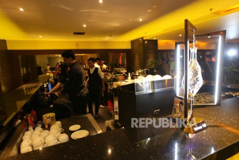 Bar at Alexis hotel, North Jakarta, on Tuesday (Oct 31).