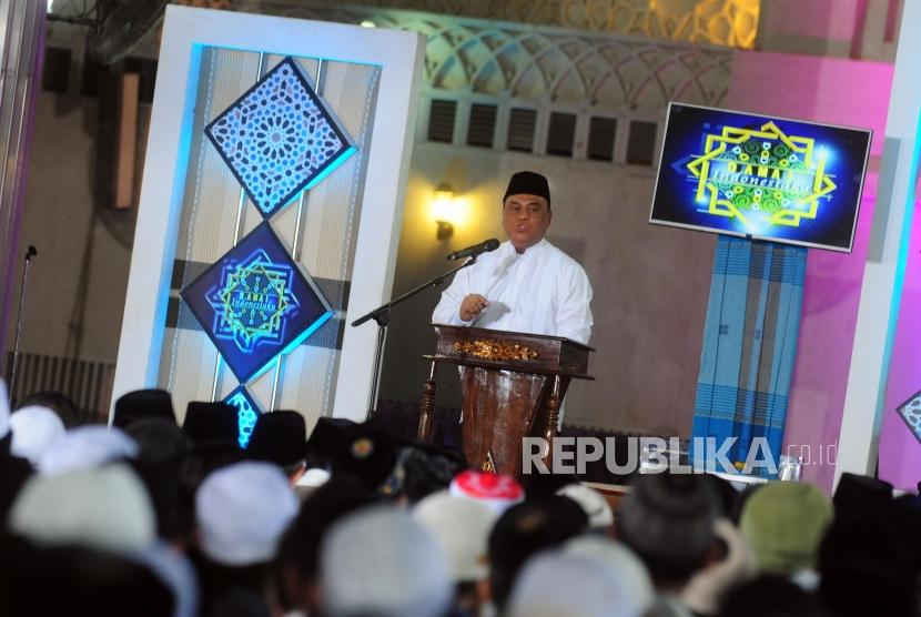 Indonesian Mosque Council (DMI) deputy chairman, Syafruddin delivers his speech during DMI Grand Sermon at Istiqlal Mosque, Jakarta, Wednesday (July 25).