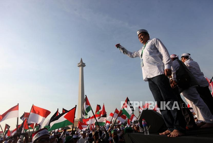 Ustaz Bachtiar Nasir lead 115 rally at National Monument (Monas) area, Central Jakarta, on Friday (May 11).
