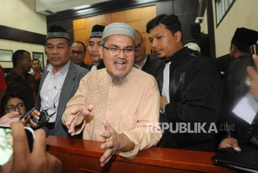 Jon Riah Ukur Ginting (Jonru) gets 1.5 years in jail in the hearing at East Jakarta District Court on Friday (March 2).