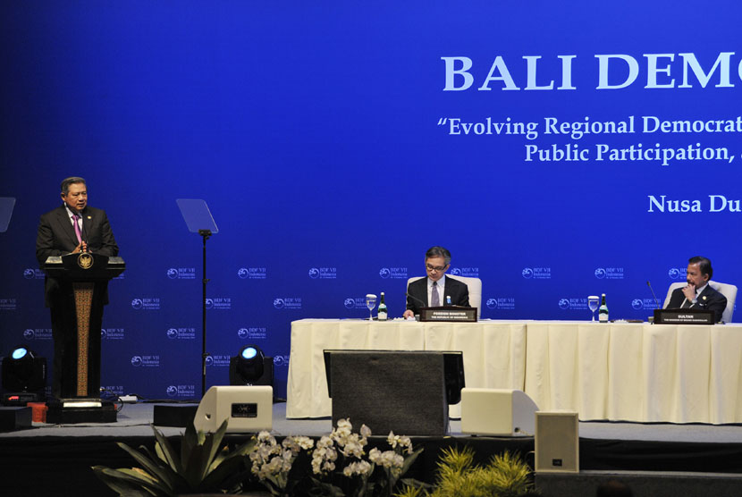ndonesia's President Susilo Bambang Yudhoyono delivers his speech on the opening of Bali Democracy Forum in Bali on Friday.