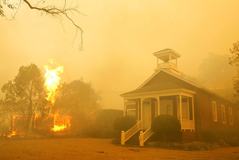 At least 1,500 houses destroyed following California fires, Monday (October 9).