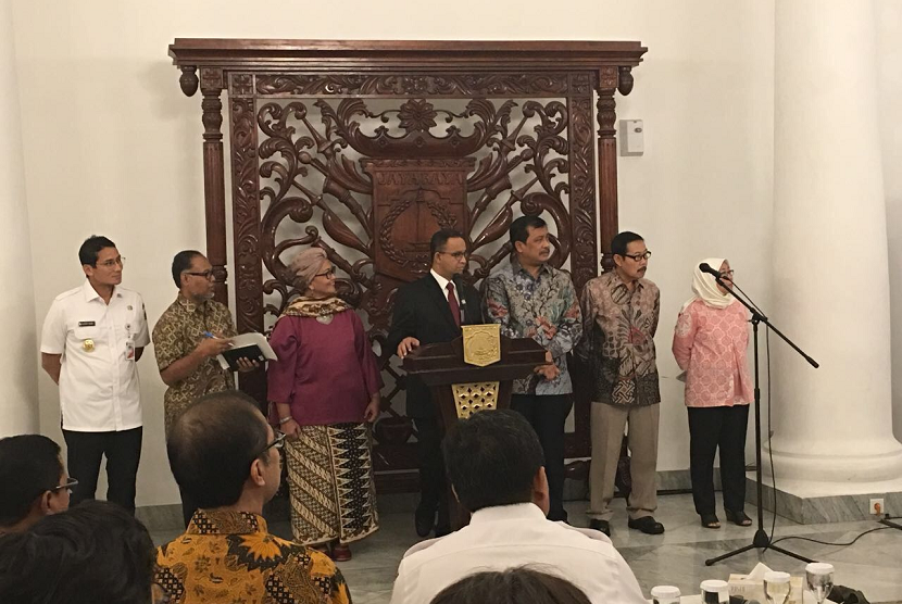 Jakarta governor Anies Baswedan appoints Bambang Widjojanto as chairman of Corruption Prevention Committee on Wednesday.