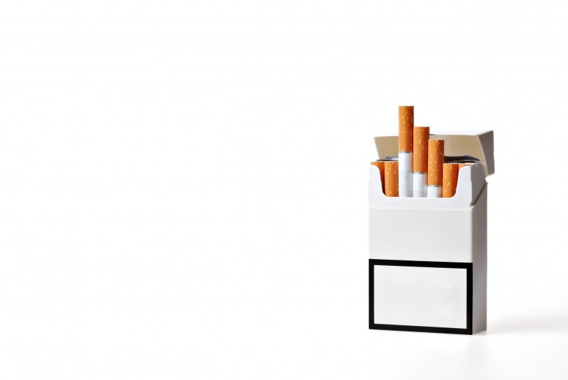 Based on research conducted by Newcastle University in Australia, the plain cigarette packaging lowered people's drive to smoke.