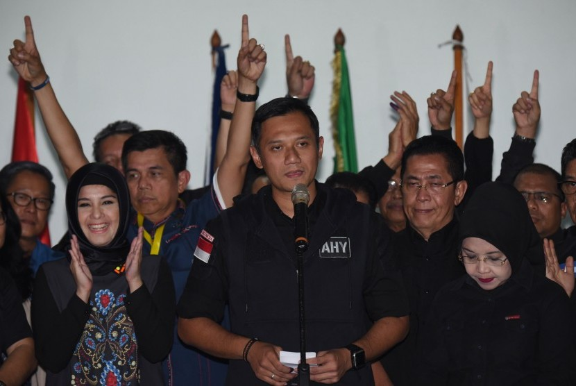 Candidate number 1 in Jakarta gubernatorial election, Agus Harimurti Yudhoyono-Sylviana Murni, did not make it to the second round. Two other candidates are trying to gain more vote from Agus-Sylvi supporters.
