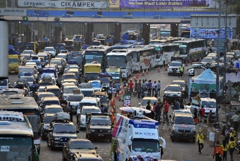 Govt conducts trial of integrated toll road payment system