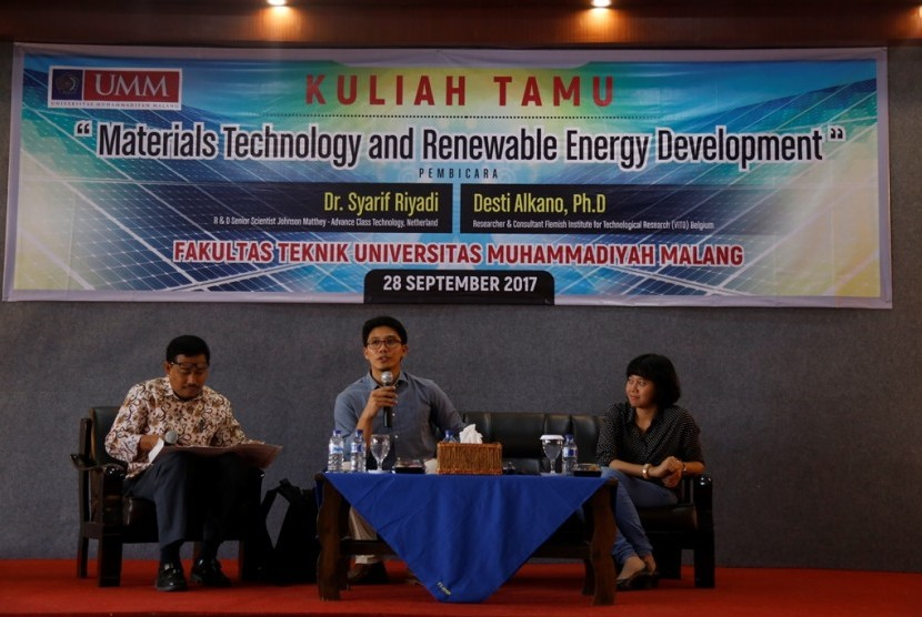 Kuliah tamu 'Materials Technology and Renewable Energy Development'.