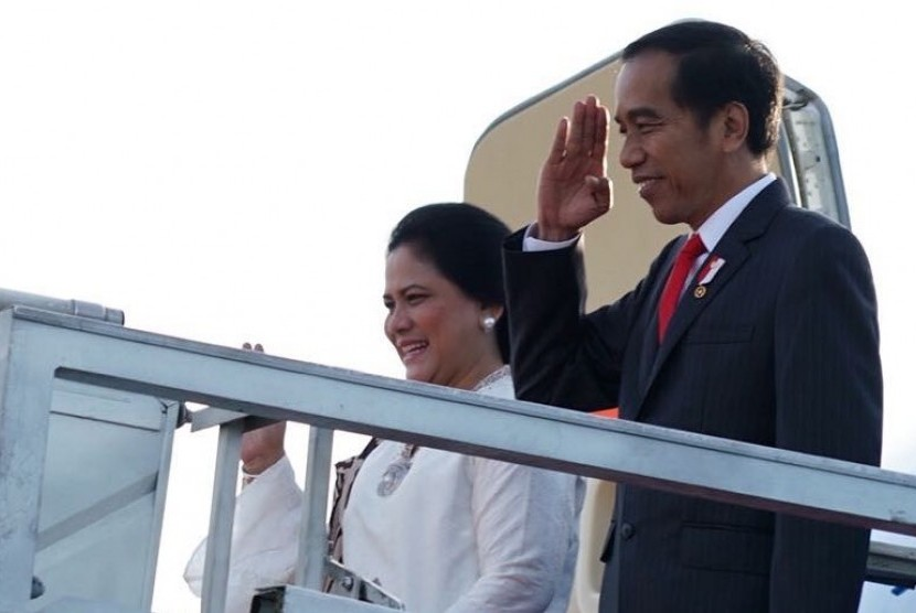 President Joko Widodo and First Lady Iriana Widodo along with the entourage depart from the Halim Perdanakusumah Air Force Base in East Jakarta. Friday (March 16).