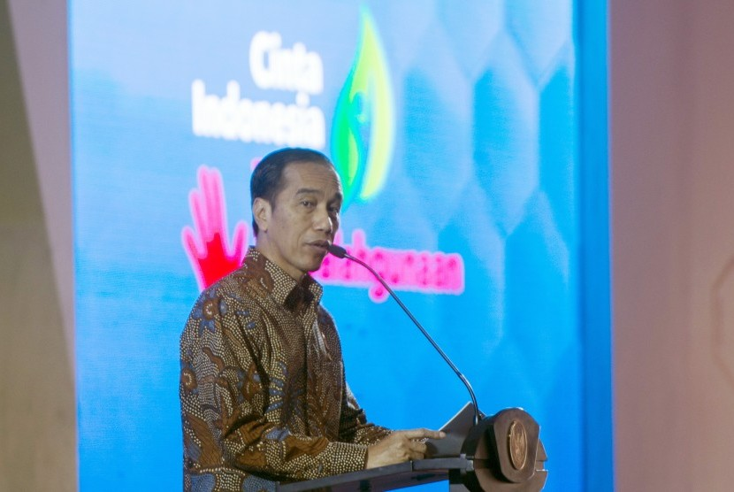 President Joko Widodo launches a nationwide campaign to eradicate illegal drugs and drug abuse at the Graha Wisata Cibubur Camping Site, East Jakarta, on Tuesday (October 3).