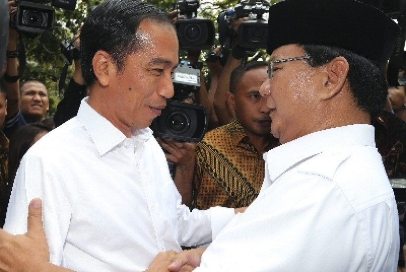 Joko Widodo and Prabowo Subianto (right).