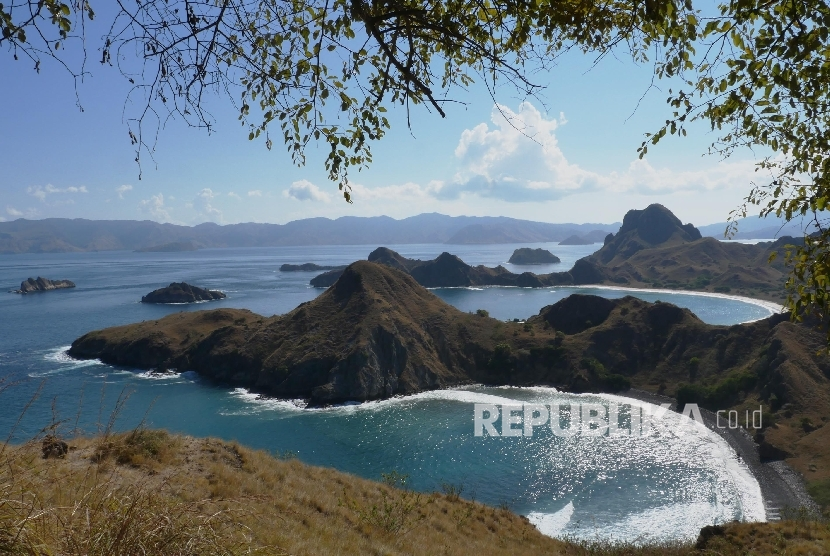 Dive Magazine published Indonesia as having popular destinations such as Komodo National Park in East Nusa Tenggara.