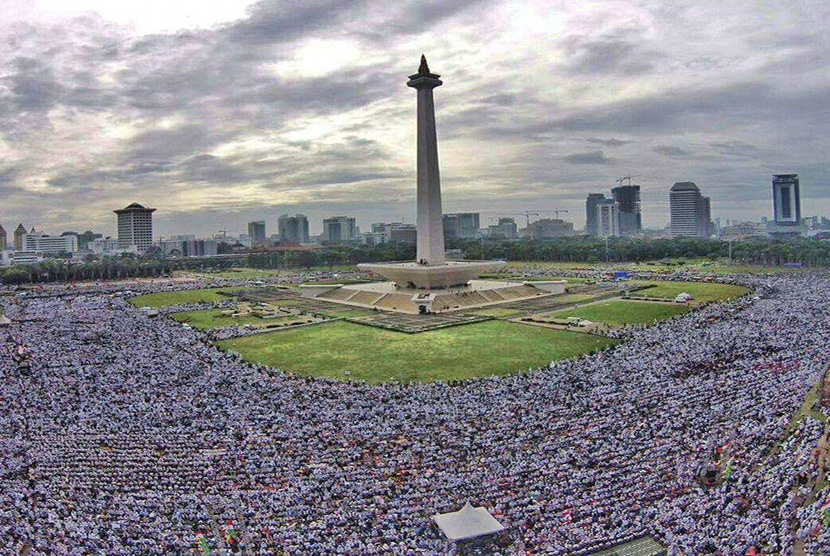 Muslims joined 212 rally at Monas area, Central Jakarta, on December 2, 2016.