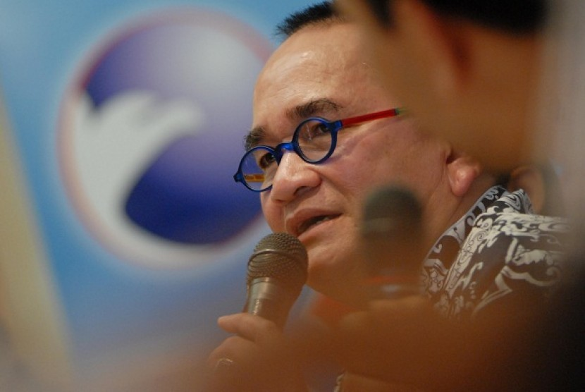 Ruhut Sitompul now sits as an ordinary member of Democrat Party after the party removes him from the positition of the head of the communication and informatics department. (file photo)