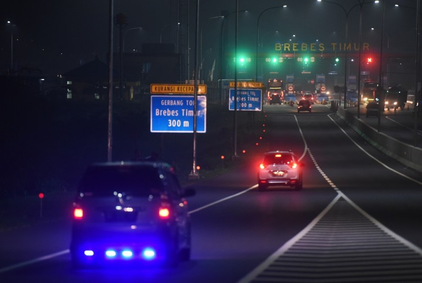 Brebes Timur (Brexit) toll road at Brebes, Central Jawa, Friday (June 23) dawn.