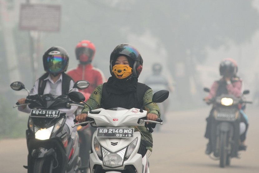 Smog. Forest and land fires start to happen in West Kalimantan since this week. (Illustration).