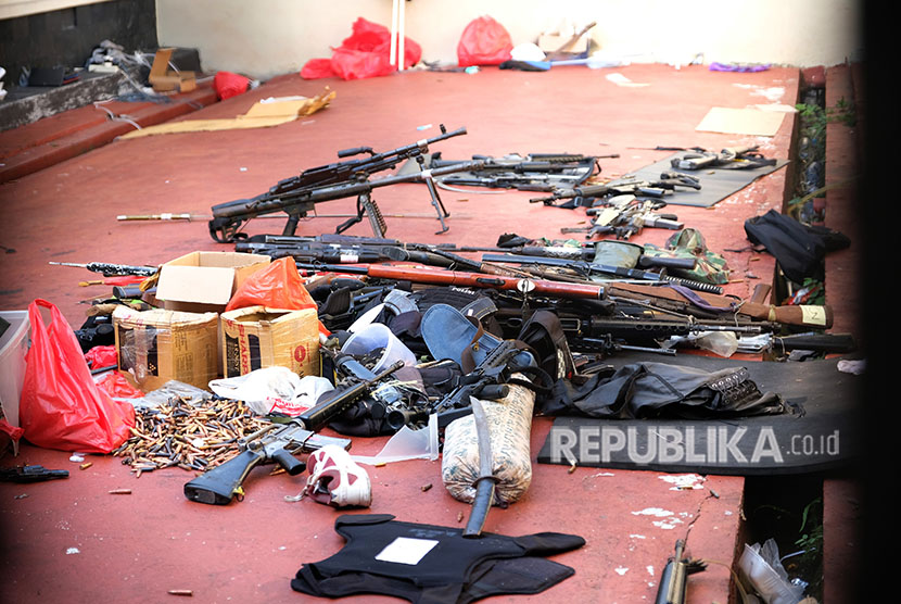 Armament left by terror inmates in one of the rooms at Mako Brimob Detention Facility, Kelapa Dua, West Java, on Thursday (May 10).