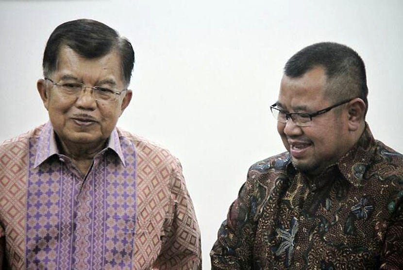 VP Jusuf Kalla (left) together with ACT's President Ahyudin.